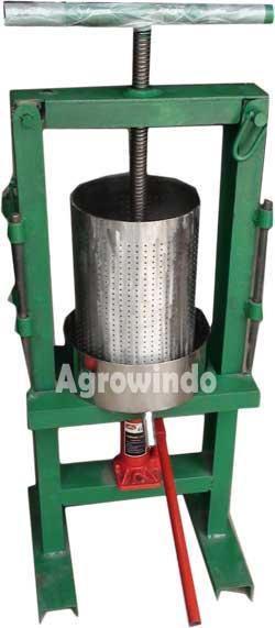 alat-pemeras-santan-hidrolis-agrowindo-maksindo